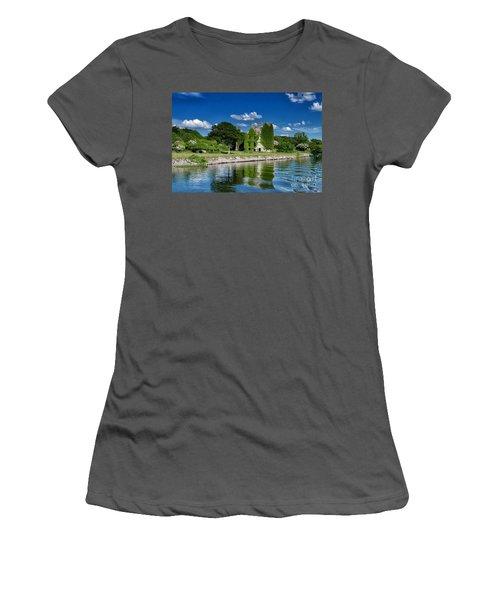 Castle Menlo  Women's T-Shirt (Athletic Fit)