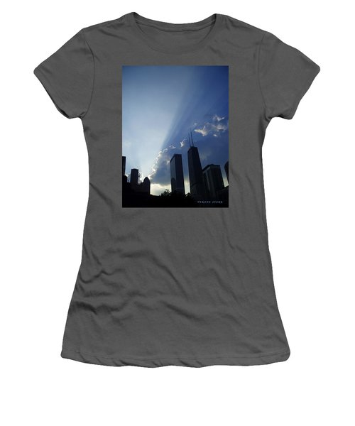 Chicago Sunset Women's T-Shirt (Athletic Fit)