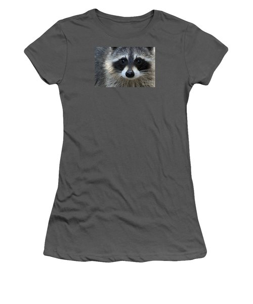 Common Raccoon Women's T-Shirt (Athletic Fit)