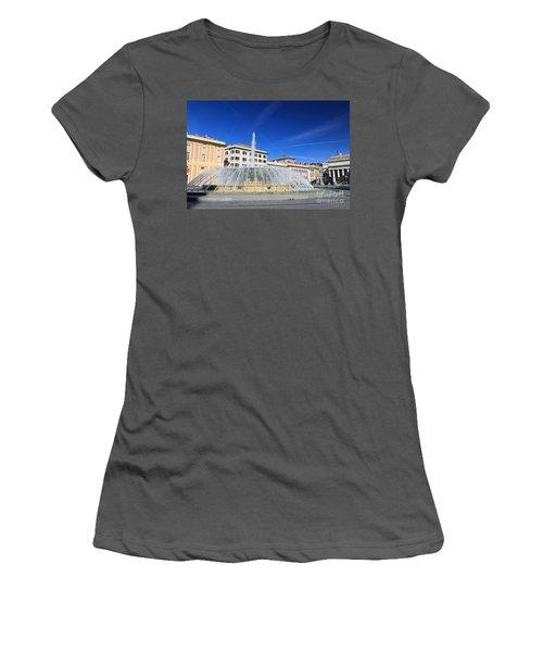 De Ferrari Square - Genova Women's T-Shirt (Athletic Fit)