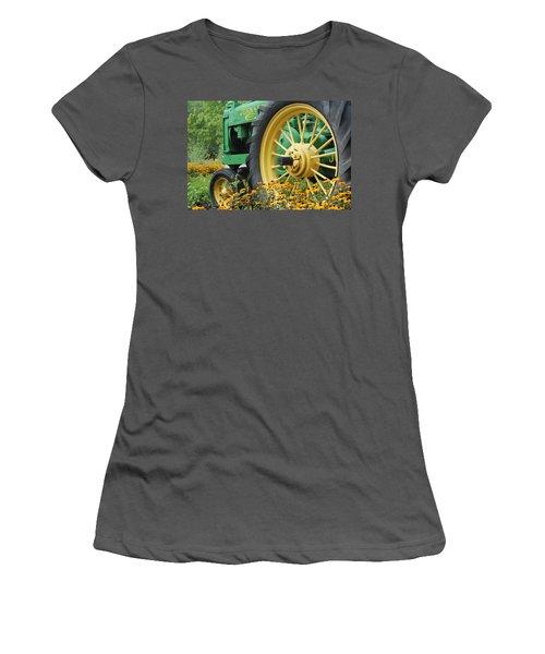 Deere 2 Women's T-Shirt (Athletic Fit)