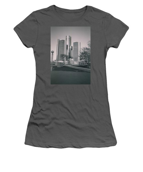 Detroit2 Women's T-Shirt (Athletic Fit)