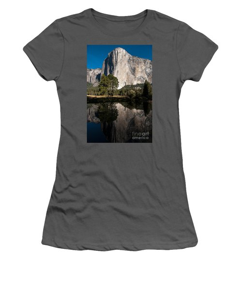 El Capitan In Yosemite 2 Women's T-Shirt (Athletic Fit)