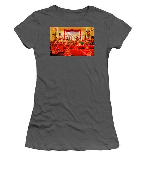 Feliz Navidad Women's T-Shirt (Athletic Fit)
