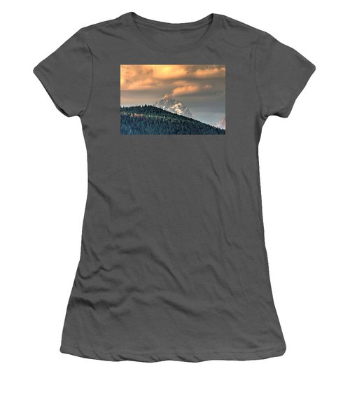 Grand Morning Women's T-Shirt (Athletic Fit)