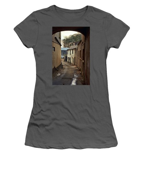 Irish Alley 1975 Women's T-Shirt (Athletic Fit)