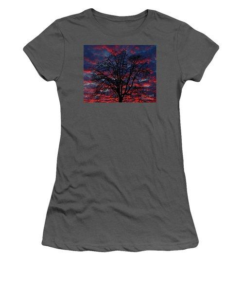 Lake Oswego Sunset Women's T-Shirt (Athletic Fit)