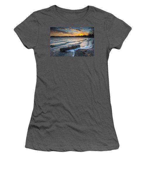 Lake Yankton Minnesota Women's T-Shirt (Athletic Fit)