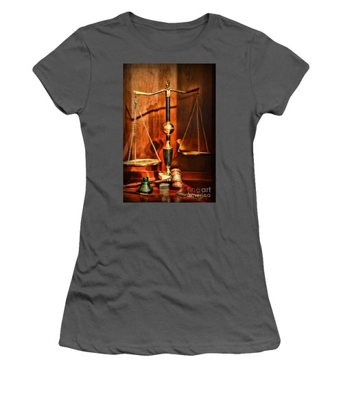 Lawyer - Scales Of Justice Women's T-Shirt (Athletic Fit)