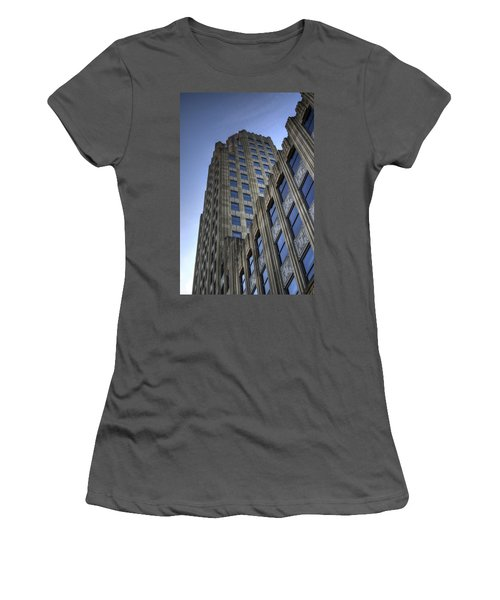 Lincoln Building Women's T-Shirt (Athletic Fit)