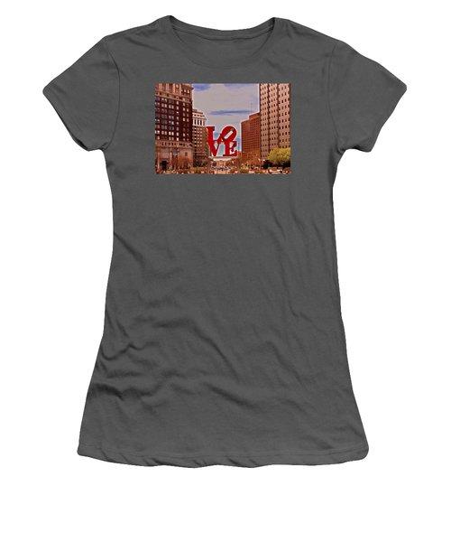 Love Sculpture - Philadelphia - 2 Women's T-Shirt (Athletic Fit)