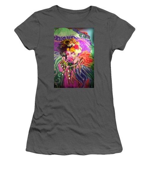 Mardi Gras Queen Women's T-Shirt (Athletic Fit)