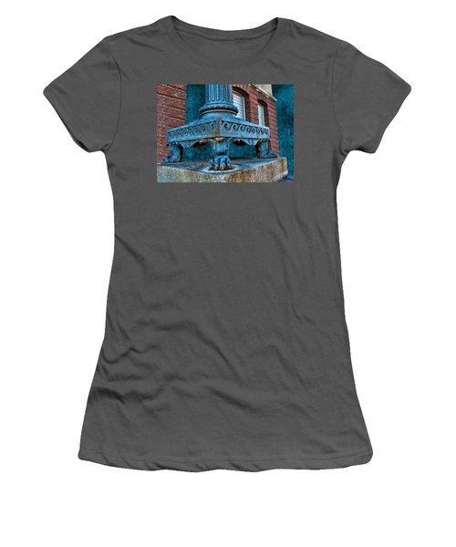 North Platte Post Office Lamp Post Women's T-Shirt (Athletic Fit)