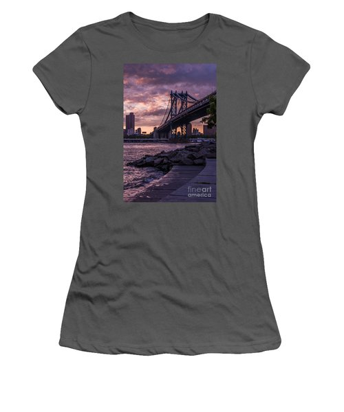 Nyc- Manhatten Bridge At Night Women's T-Shirt (Athletic Fit)
