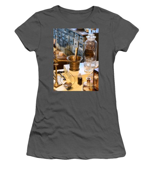 Pharmacist - Brass Mortar And Pestle Women's T-Shirt (Athletic Fit)