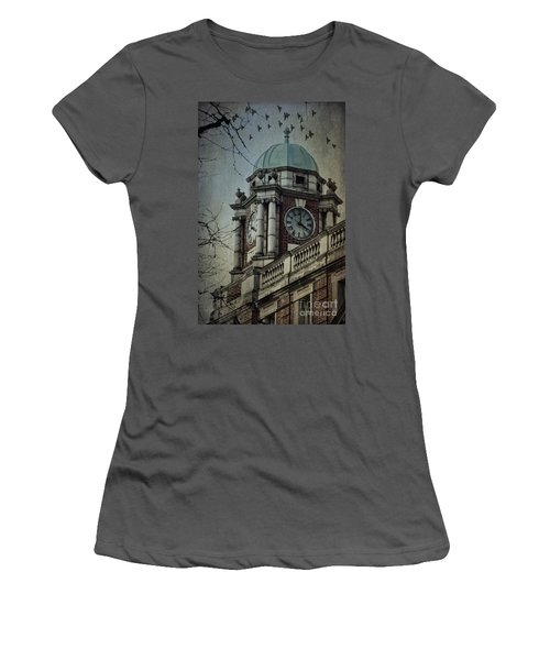 Philadelphia Tour Women's T-Shirt (Athletic Fit)