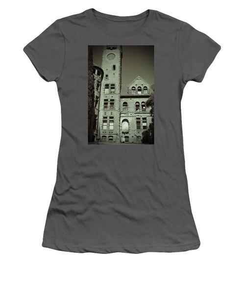 Preston Castle Tower Women's T-Shirt (Athletic Fit)