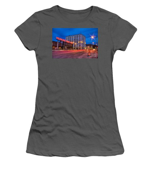 Public Market Zip Women's T-Shirt (Athletic Fit)