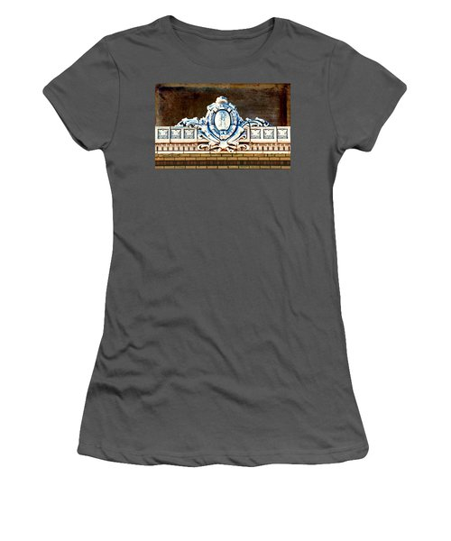 Redfield Roofline 4 Women's T-Shirt (Athletic Fit)