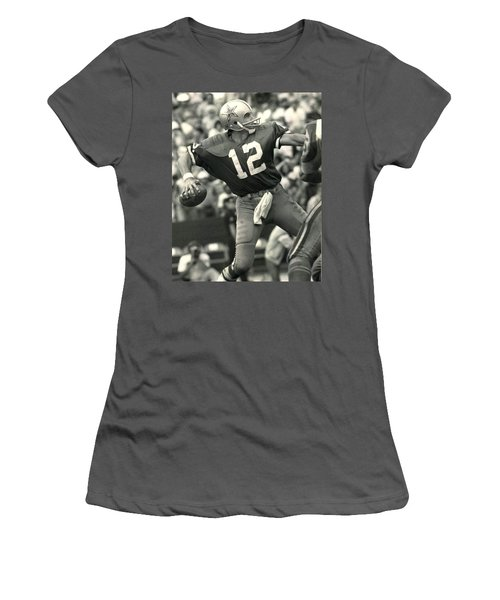 Roger Staubach Vintage Nfl Poster Women's T-Shirt (Athletic Fit)