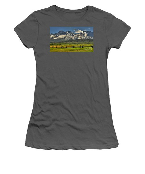 Sawtooth Mountains Women's T-Shirt (Athletic Fit)