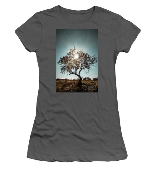 Single Tree Women's T-Shirt (Athletic Fit)