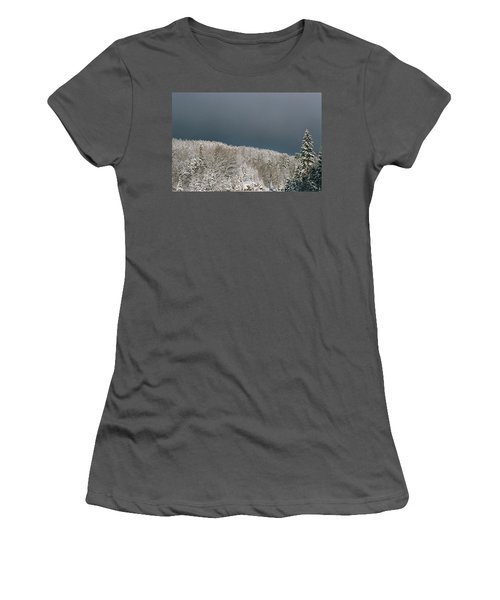 Storm's A'brewin' Women's T-Shirt (Athletic Fit)