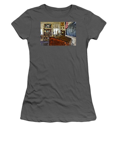 Teacher - Vintage Desk Women's T-Shirt (Athletic Fit)