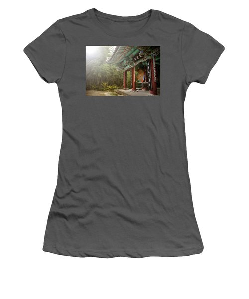Temple Drum Women's T-Shirt (Athletic Fit)