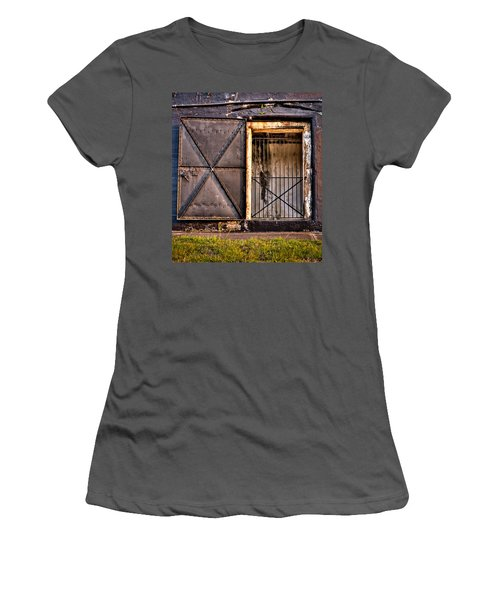 The Old Fort Gate-color Women's T-Shirt (Athletic Fit)