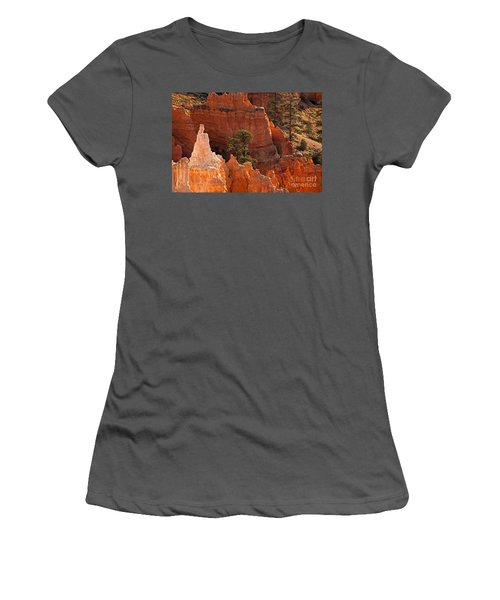 The Popesunrise Point Bryce Canyon National Park Women's T-Shirt (Athletic Fit)