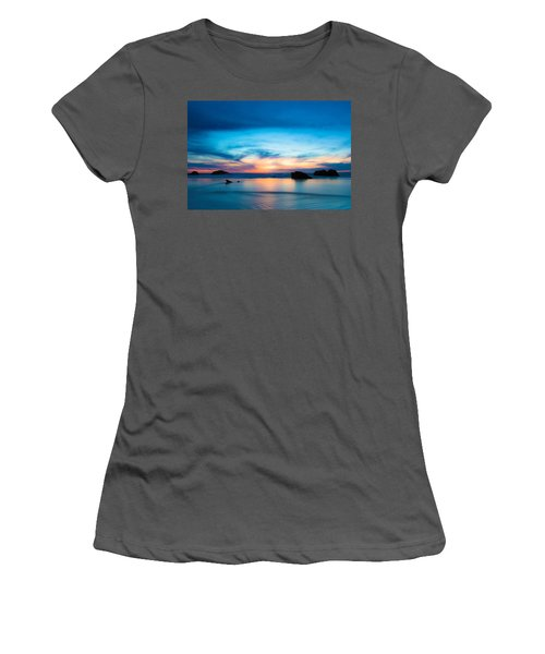 Traveling The Infinite Women's T-Shirt (Athletic Fit)