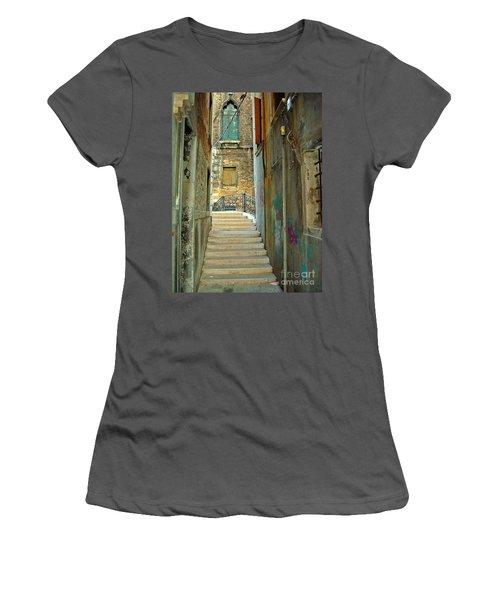 Venetian City Of Bridges Women's T-Shirt (Athletic Fit)
