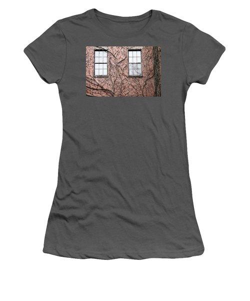 Vines And Brick Women's T-Shirt (Junior Cut)