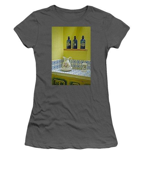 Vintage Bathroom Women's T-Shirt (Athletic Fit)