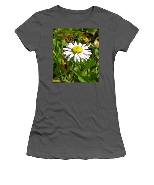 Visiting Miss Daisy Women's T-Shirt (Athletic Fit)