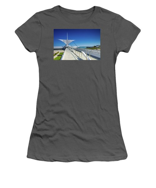 Santiago's Briese Soleil Women's T-Shirt (Athletic Fit)