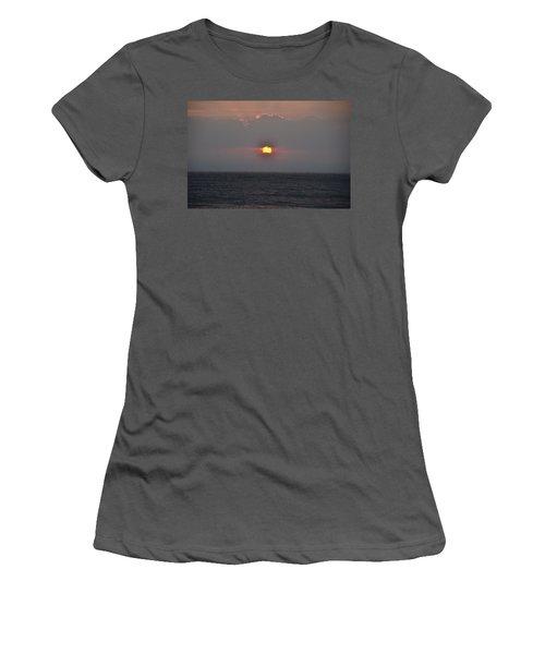 Sunrise In Melbourne Fla Women's T-Shirt (Athletic Fit)