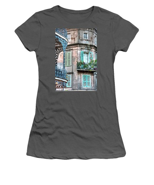 0254 French Quarter 10 - New Orleans Women's T-Shirt (Athletic Fit)
