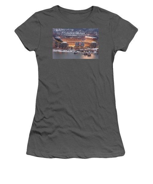 Pittsburgh 4 Women's T-Shirt (Athletic Fit)