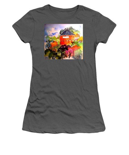 Round Barn ,santa Rosa Women's T-Shirt (Athletic Fit)