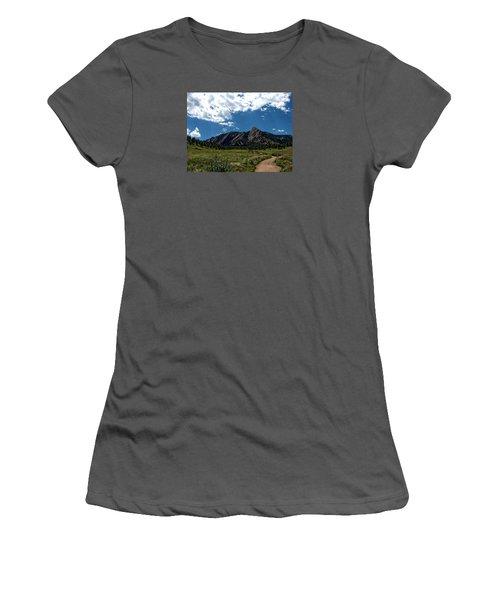 Colorado Landscape Women's T-Shirt (Athletic Fit)