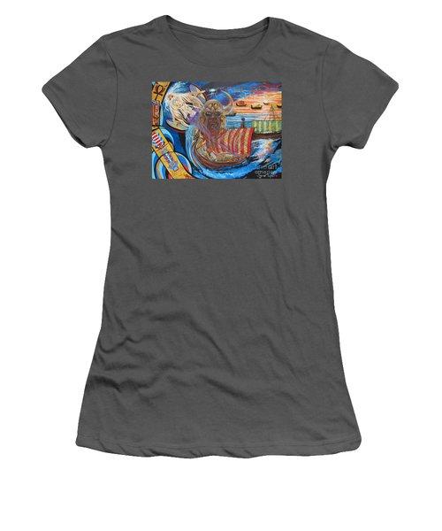 Empires Never Die                                          Blaa Kattproduksjoner          Women's T-Shirt (Athletic Fit)