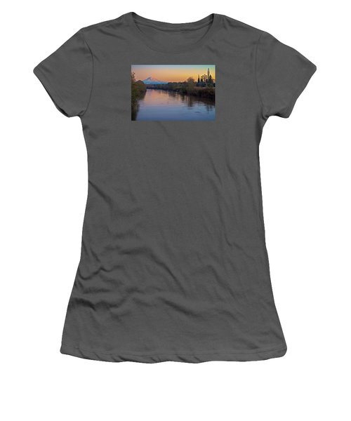 A Mt Tahoma Sunset Women's T-Shirt (Junior Cut)