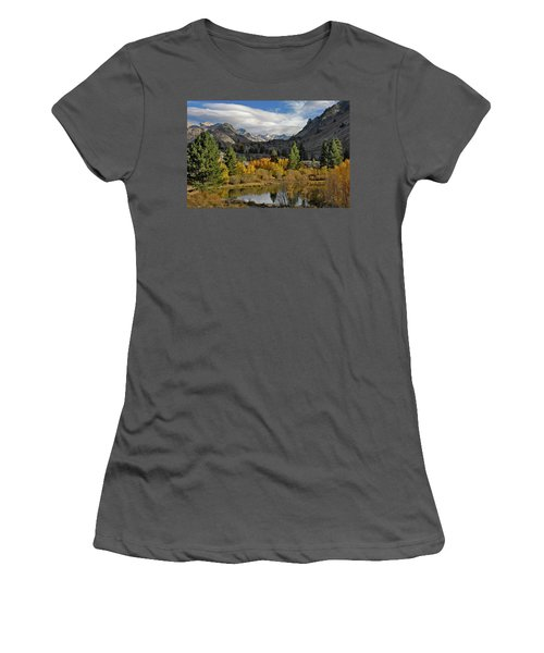 A Sierra Mountain View Women's T-Shirt (Athletic Fit)
