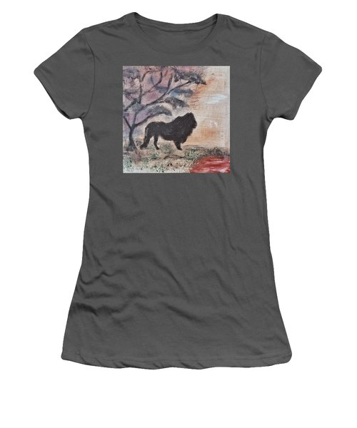 African Landscape Lion And Banya Tree At Watering Hole With Mountain And Sunset Grasses Shrubs Safar Women's T-Shirt (Athletic Fit)