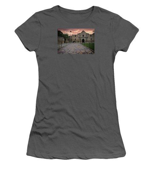 Alamo Women's T-Shirt (Athletic Fit)