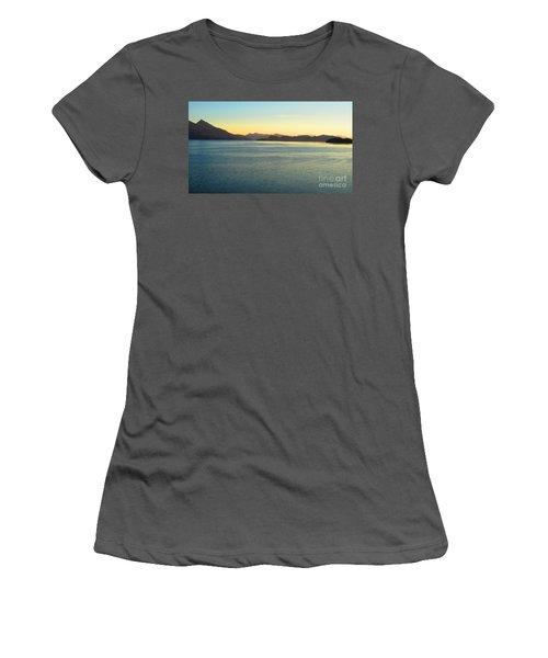 Alaska3 Women's T-Shirt (Athletic Fit)