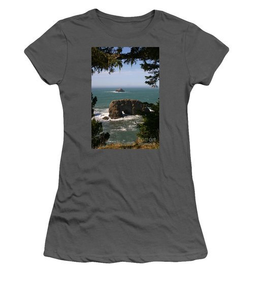 Arch Rock View Women's T-Shirt (Athletic Fit)