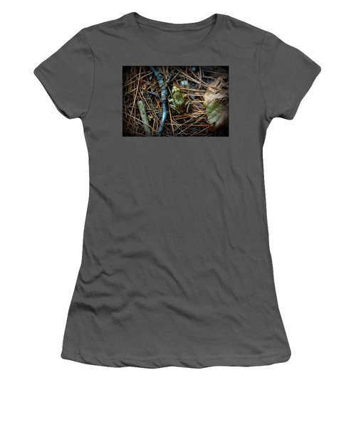 Baby Frog Women's T-Shirt (Athletic Fit)